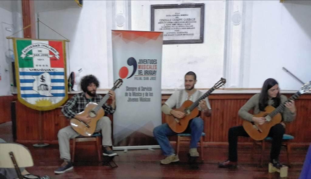 Trío de guitarras El Gentil en Sociedad Italiana de San José 23 -06-19 - copia