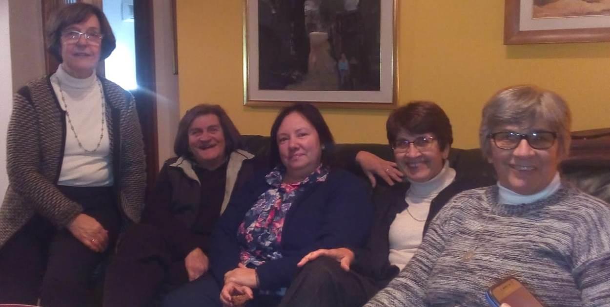 Edhy Saavedra, Annabella Alza, Cristina Machín, Alma Corujo y Adriana Viña